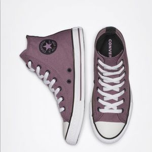 Converse Chuck Taylor All Star Hightops in Lilac
